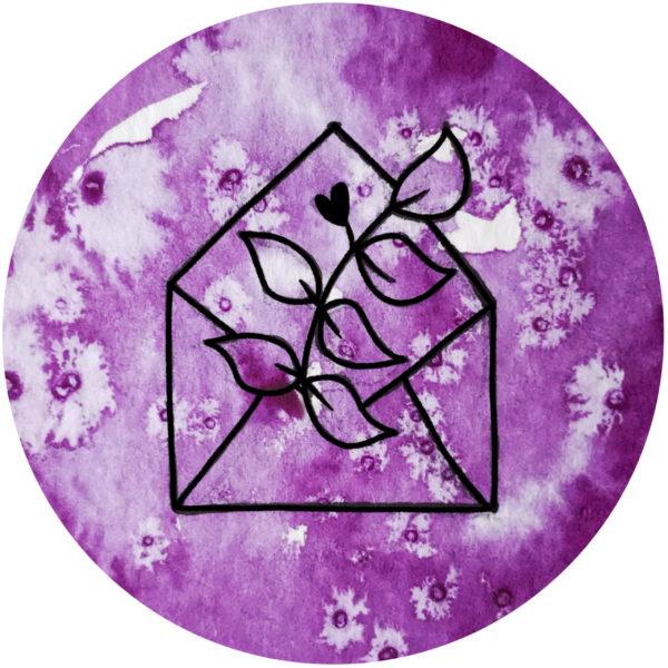Kuvert mit Blumen violett