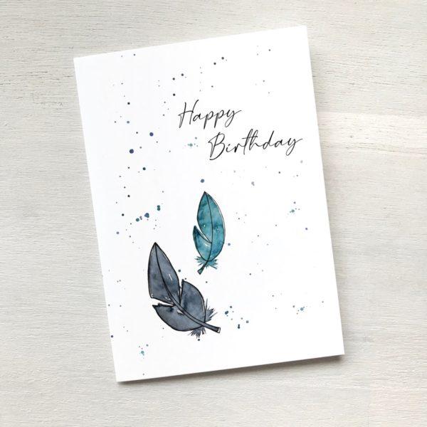 Karte mit Federn zum Geburtstag