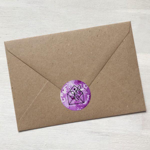 Sticker violett mit Blume aus Kuvert